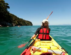 Sea Kayaking tips Honeymoon In New Zealand, Costa, Places To Travel, Places To Visit, New Zealand Adventure, Floating Boat, Kayaking Tips, Kayak Fishing, Adventure Is Out There
