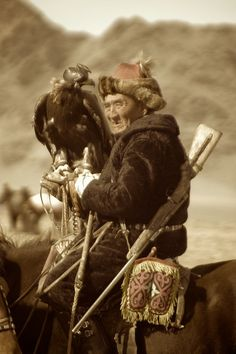 Eagle Hunter, Mongolia. (V)