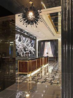 Murano glass orbs by II by IV Design at the Trump International Hotel & Tower Toronto. Luxury Interior Design, Interior Architecture, Floor Design, House Design, Lobby Design, Design Hotel, Most Luxurious Hotels, Luxury Hotels, Lobby Interior