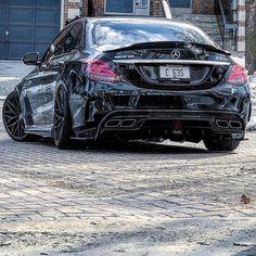 AMG with Diffusor.👇 Rate it from 📷 Mercedes Auto, Mercedes Benz Maybach, Benz Suv, E63 Amg, Lux Cars, Toyota Cars, Instagram, Techno, Luxury Cars