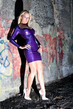 I like shiny things: Photo Fetish Fashion, Latex Girls, White Heels, Bodycon Dress, Purple, Carrie, Clothes, Beauty, Dresses
