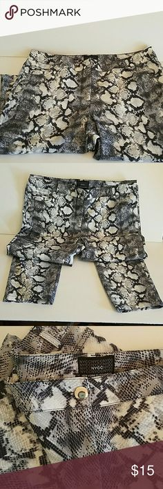 "New York Clothing Co crop pants NYCC CROP pants Size 10 Snakeskin pattern black gray white  Pockets in front  73%cotton 26""polyester 1%spandex  Inseam 25"" Like new condition New York Clothing Co  Pants Straight Leg"