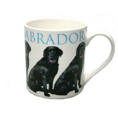 Mok zwarte Labrador hond. Witte mok met afbeelding van een zwarte Labrador. De mok is ca. 8 x 8,5 cm groot.