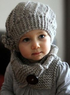 ein perfektes Set zum selber stricken Crochet Baby Cardigan, Knit Baby Sweaters, Knitting Baby Girl, Knitted Hats, Crochet Hats, Knit Headband Pattern, Sweater Knitting Patterns, Knitting Ideas, Free Knitting