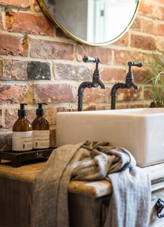 The Sanctuary is a luxury self-catering cottage in Lymington in the New Forest. With hot tub a dream Hampshire cottage retreat for couples Country Stil, Country Farm, Country Kitchen, Brick Cottage, Self Catering Cottages, Bathroom Spa, Bathroom Ideas, Small Bathroom, Bathroom Tiling