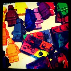 Melt Crayons, Diy Crayons, Lego Themed Party, Party Themes, Party Ideas, Lego Stuff, Kid Stuff, Lego Ideas, Craft Ideas