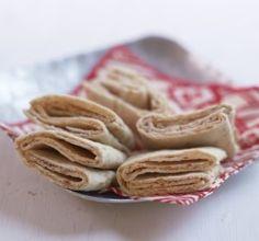 Lefser som er smurt Tapas, Finger Foods, Apple Pie, Appetizers, Cookies, Desserts, Recipes, Traditional, Bakken