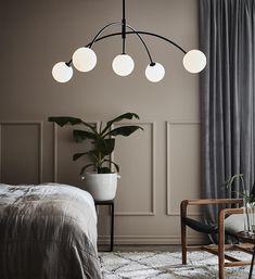 Heaven pendel - Sort fra Marksløjd - Lightup.no Ceiling Pendant, Ceiling Lamp, Ceiling Lights, Hall Lamps, Lamp Inspiration, Stair Lighting, Bedroom Lighting, Black Pendant Light, Glass