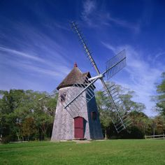 I think this might be a place I'd like to use for writing sometime in the fall.  Do you think they'd rent me a space???  There might be ghosts. Windmill from 1680, Eastham, Cape Cod, Massachusetts