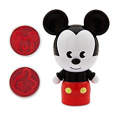 Discover Disney Home to decorate your home with all the fun and magic of Disney. Throw blankets and pillows as well as bedding, kitchenware, stationery and more. Mickey Mouse Room, Mickey Mouse Classroom, Disney Mickey Mouse, Disney Home Decor, Disney Decorations, Disney Fun, Disney Stuff, Kawaii Stationery, Disney Merchandise