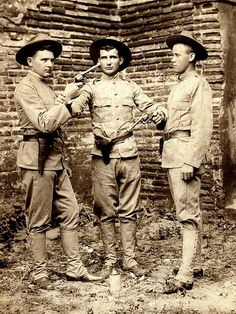This is a Spanish-American War (or Philippine-American War) era photo from the Manila Branch Studio of Japanese photographer T. I have posted a lot of ENAMI images from Japan, but Enami was also active in The Philippines and Hong Kong. The Spanish American War, American History, Military Men, Military History, Army Uniform, Military Uniforms, Fatherless Children, Treaty Of Paris, Boxer Rebellion