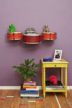 Des tambours transformés en étagères