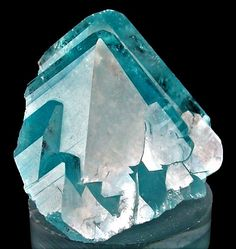 Topaz - Zapot pegmatite, Gillis Range, Fitting District, Mineral Co. Minerals And Gemstones, Rocks And Minerals, Natural Crystals, Stones And Crystals, Beautiful Rocks, Mineral Stone, Rocks And Gems, Krystal, Native American
