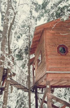 Head up into the tree tops and discover this beautiful tree house set in a stunning forest of Quebec, Canada.