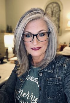Grey Hair Long Bob, Grey Hair Streak, Medium Hair Styles, Short Hair Styles, Grey Hair Styles For Women, Grey Hair And Glasses, Grey Hair Transformation, Gray Hair Highlights, Transition To Gray Hair