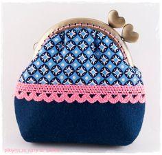 Monedero Cute Blue Pink por PikiyinaFieltro en Etsy, €15.50 / Cute Blue Pink kisslock purse