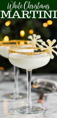 This White Christmas Martini is the perfect holiday cocktail! Made with only three ingredients and so delicious, this is dessert in a glass, like a Christmas cookie martini!