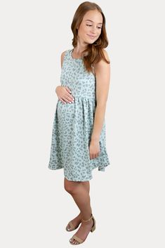 Green Leopard Maternity Dress - Sexy Mama Maternity This green leopard maternity dress screams fun in the sun! Featuring an airy babydoll design, a leopard pattern top to bottom, and a summery mint color. Not to mention, it is ultra comfortable! It comes in the perfect midi length to keep you covered and comfy all day long. Great for work, church, or everyday wear. #SexyMamaMaternity #maternitydresses #dressthebump Cute Maternity Outfits, Maternity Gowns, Pregnancy Outfits, Maternity Fashion, Sexy Dresses, Summer Dresses, Pregnancy Months, Leopard Pattern, Mint Color