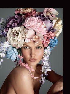 Vogue Italia Dec. 2011 - Body by Kloss by Steven Meisel  Model: Karlie Kloss