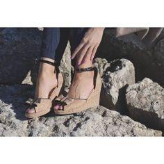 Nara sandalo donna con zeppa #NAEveganshoes #scarpevegane #veganshoes #scarpedonna #scarpeecologiche #sandalidonna