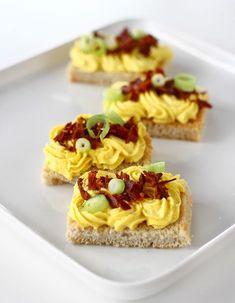 Cremă de ardei copți, delicioasă la micul dejun sau în diverse aperitive Waffles, Cheesecake, Good Food, Cooking, Breakfast, Desserts, Recipes, Canning, Salads