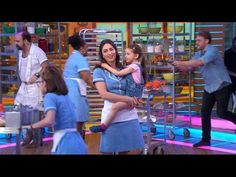 Sara Bareilles and the Broadway Cast of Waitress Perform on GMA