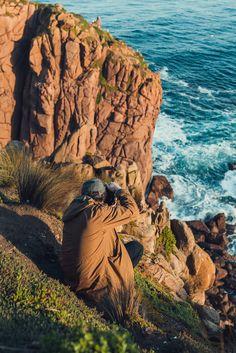 Unser australischer Freund Tim Morizet ist mit The JACKET rausgegangen und seine Freundin Tammy Schuh hat ein paar wunderbare Photos von ihm geschossen. Schaut' Sie Euch mal an. Danach dann auch unbedingt mal die Portfolios der beiden begutachten:. Snow Mountain, Portfolio, Surfing, Nature, Travel, Life, Outdoor, Sustainability, Shoemaking