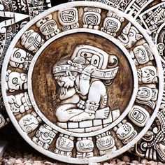 Mayan Haab cycle calendar. Photo by theilr in 2007 (Flickr)