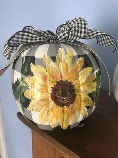 Fall Pumpkins, Halloween Pumpkins, Fall Halloween, Halloween Crafts, Halloween Decorations, Pumpkin Decorations, Halloween Ribbon, Pretty Halloween, Harvest Decorations