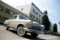 Unfortunately, Soviet carmakers didn't have much to offer. However, there were some nice up-to-date cars worth mentioning like the GAZ-M20 Pobeda or the VAZ-2121 Niva, one of the first Soviet compact and