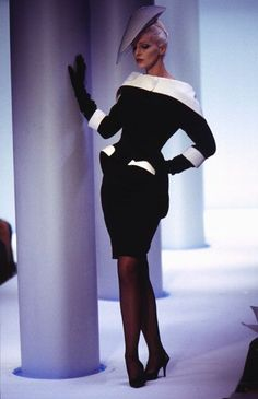 Graphic black & white Thierry Mugler design, with classic hat.