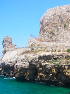 Located near #Gallipoli, #LidoConchiglie is a picturesque rocky marine of the #Ioniancoast with clear deep waters and some beautiful grottoes. #AriaLuxuryApulia #LuxuryRetreatsInPuglia