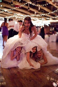 Noivos, damas e pajens