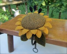 Primitive Hand Dyed Wool Sunflower Pincushion Metal Clamp Pinkeep ~ Seed Pins