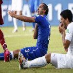 La FIFA expulsó  del Mundial al delantero uruguayo Luis Suárez
