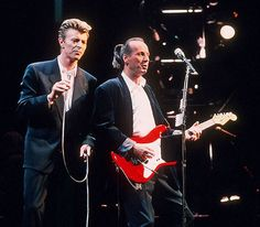 David Bowie & Adrian Belew, Sound and Vision Tour 1990 David Bowie Starman, David Bowie Ziggy, Adrian Belew, Mick Ronson, Legendary Singers, The Thin White Duke, Sound & Vision, Actors, Concert