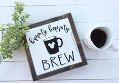 The perfect addition to the Disney Lovers Cof… Bippity Boppity Brew Coffee Sign. The perfect addition to the Disney Lovers Coffee Bar/Station or kitchen decor. Tea Station, Coffee Bar Station, Home Coffee Stations, Disney Kitchen Decor, Kitchen Decor Signs, Disney Home Decor, Disney Crafts, Kitchen Decals, Disney Sign