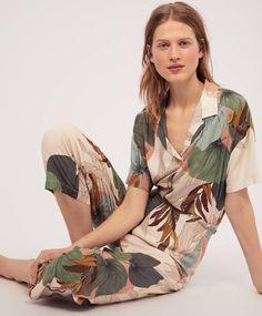 Pantalon palmiers - Pyjamas - Pyjamas et homewear Best Pajamas, Pajamas Women, Printed Trousers, Cropped Trousers, Summer Holiday Outfits, American, Lingerie, Nightwear, Loungewear