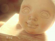 Процесс создания куклы... в какой-то момент она оживает, появляется свой образ и ты начинаешь верить, что у нее есть душа теплая, добрая и светлая  #коллекционнаякукла #dollcollection #волшебство #textiledolls #процесс #творчество #рукоделие #handmadedoll #artwork #process #collection #малышка #кукларучнойработы