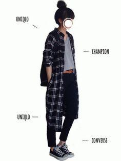 SENSE OF PLACE by URBAN RESEARCHのTシャツ・カットソー「【予約】Champion/チャンピオン別注VネックTシャツ(5分袖)」を使ったtumのコーディネートです。WEARはモデル・俳優・ショップスタッフなどの着こなしをチェックできるファッションコーディネートサイトです。 Japan Fashion, Look Fashion, Fashion Pants, Daily Fashion, Everyday Fashion, Fashion Outfits, Womens Fashion, Fasion, Pretty Outfits