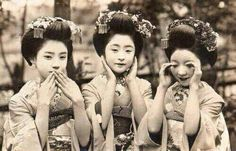 Giappone - Small Geishas - The three monkeys