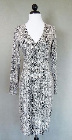 BANANA REPUBLIC Black and Off White Print Wrap Look Stretch Dress Size XS #BananaRepublic #WrapDressStretchBodycon #WeartoWork