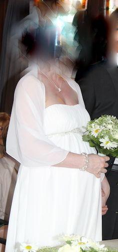♥ Wunderschönes Brautkleid für Schwangere ♥  Ansehen: http://www.brautboerse.de/brautkleid-verkaufen/wunderschoenes-brautkleid-fuer-schwangere/   #Brautkleider #Hochzeit #Wedding