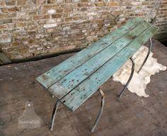 Industrieel bank van oude houten planken bij www.bertha010.nl