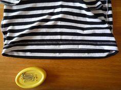 Dámské úpletové šaty s pružným pasem a kapsami  