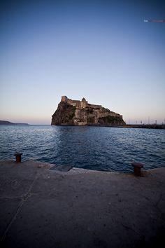 Ischia - castello aragonese. 40.7313°N 13.8957°E