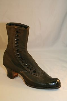 1910s Ladies Laceup Boots with French Heel