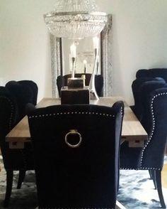 #Repost @jlegnerhrnjic  Elsker mine nye stoler fra #classicliving
