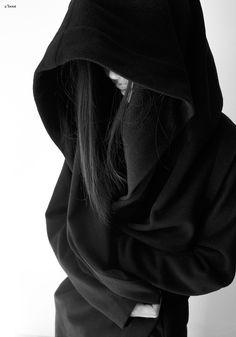 Black and White My favorite photo Dark Photography, Girl Photography Poses, Cyberpunk, Ahri Wallpaper, Mode Sombre, Look At My, Black Hood, Digital Art Girl, Dark Fashion