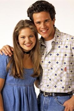 Yesterday I found out that Steve from Full House is the speaking voice of aladdin. He dressed up like Aladdin in the Disney episode of Full House when DJ imagined him! Best Tv Couples, Tv Show Couples, Power Couples, Cutest Couples, Movie Couples, Famous Couples, Full House Tv Show, Full House Dj Tanner, Outfits